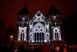 pning av festivalen Screen City, med stor lysprojisering ved Domkirken.